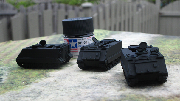 Painting Canadian M113, the proper way – No Dice No Glory